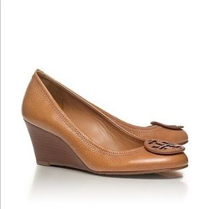 Tory Burch sally wedge with closed toe